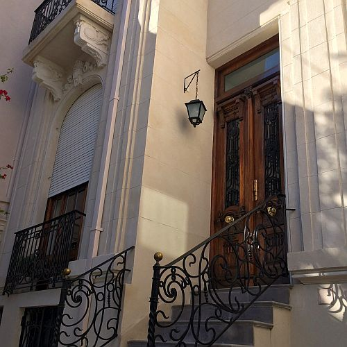 entrada casa antigua remodelada
